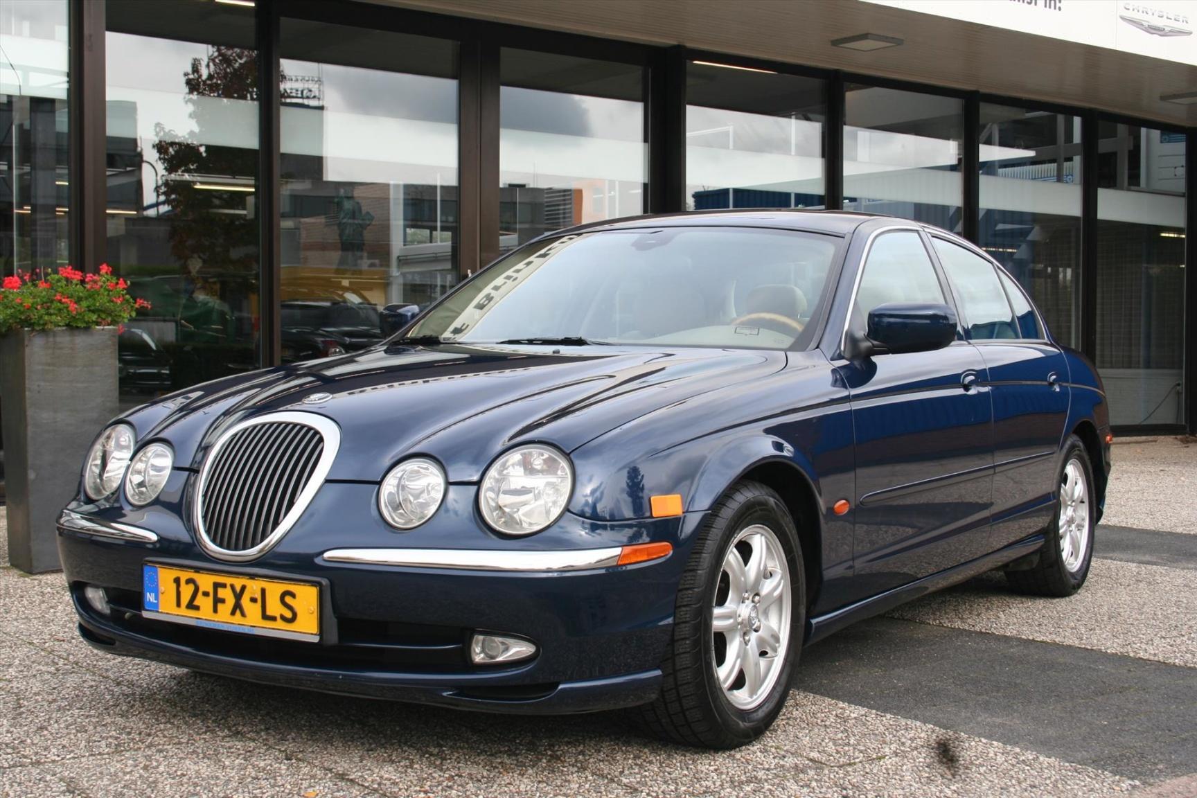 Jaguar-S-Type-1