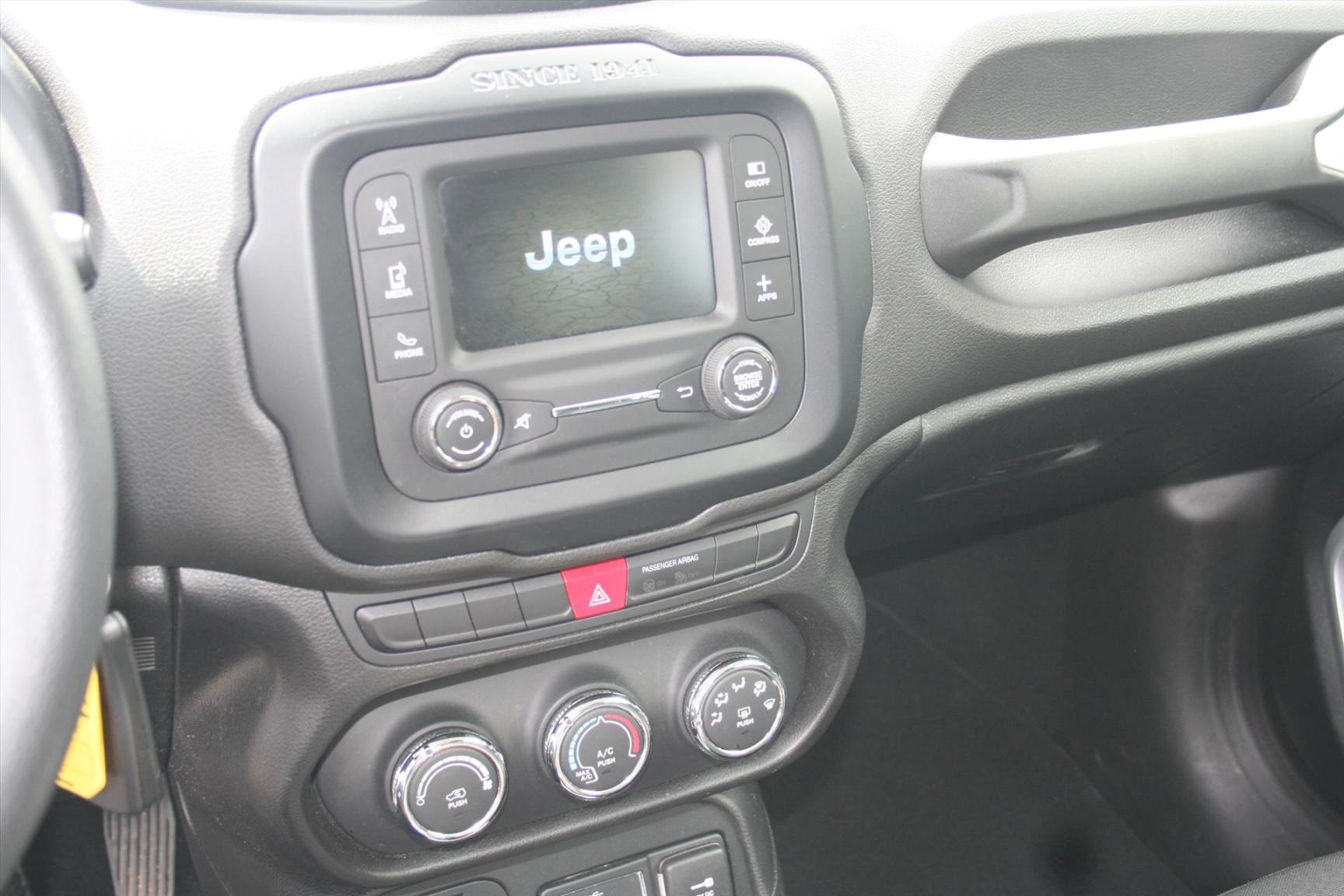 Jeep-Renegade-11
