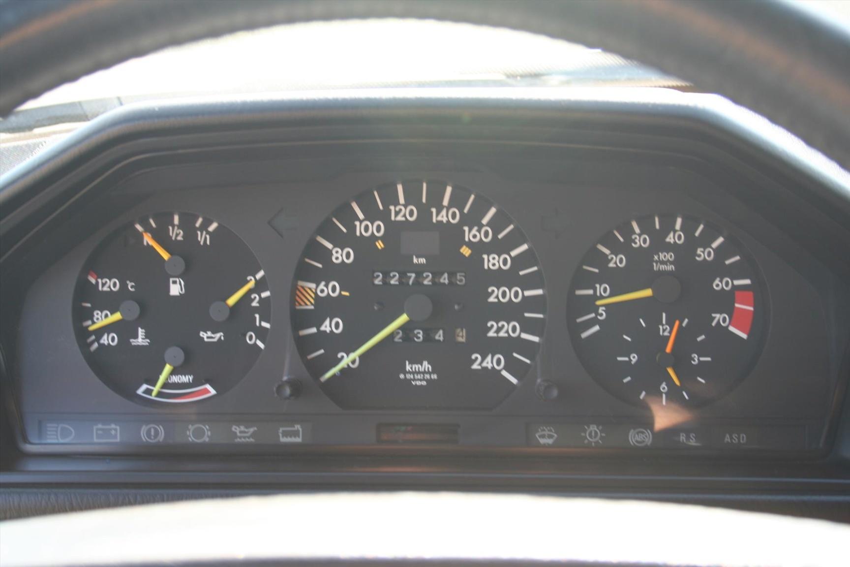 Mercedes-Benz-300-serie-9